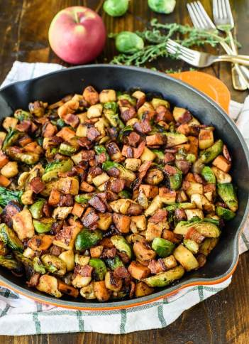 Chicken-Apple-Sweet-Potato-Skillet-with-Bacon-and-Brussels-Sprouts.-A-healthy-one-pan-dinner-with-all-of-your-favorite-fall-ingredients
